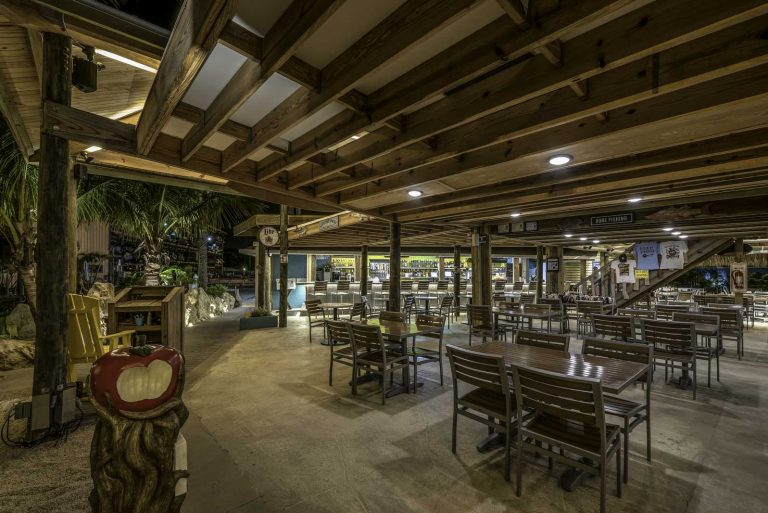 The Lighthouse Grill - Under Roof Seating